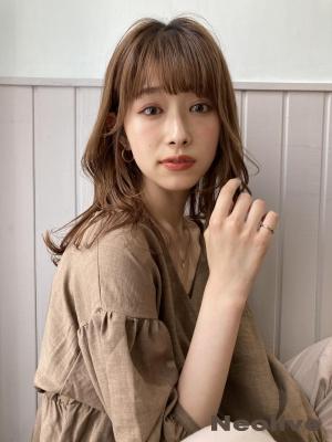 韓国風おくれ毛*顔まわりレイヤーミディアム.