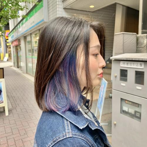 青紫が際立つインナーカラー