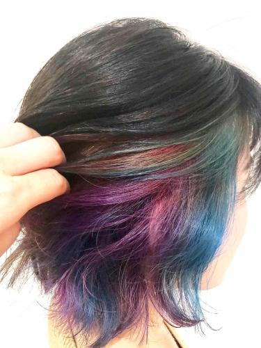 個性的でお洒落な七色インナーカラースタイル☆高田馬場 美容室 酸熱 髪質改善トリートメント