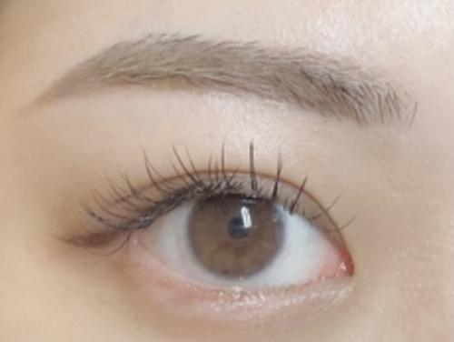 眉毛ワックス施術スタート